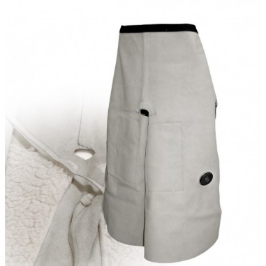 Apron farrier with magnet